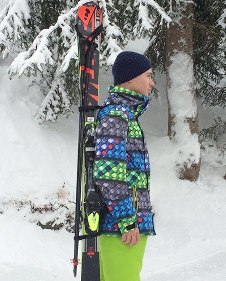 the best hands free ski carrier